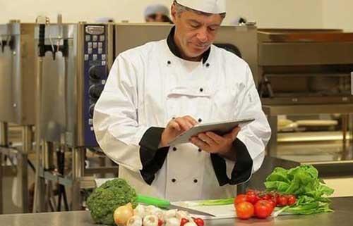 Kiểm soát chất lượng thực phẩm trong kinh doanh nhà hàng