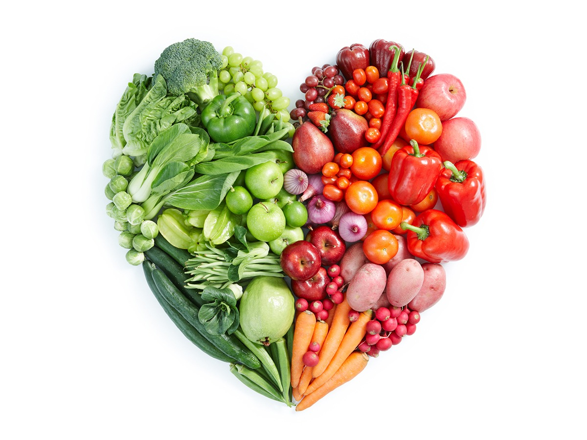 heart shape by various vegetables and fruits an toàn thực phẩm